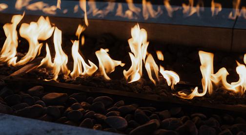 brennender Gas-Kamin